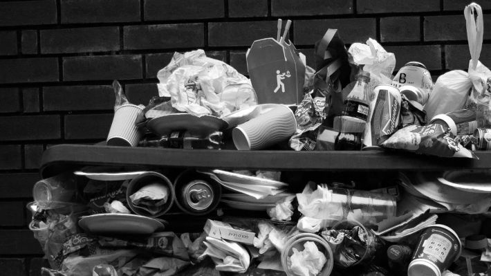 7 Ways Clutter Is Ruining Your Life + Marie Kondo: The Life Changing Magic of Tidying Up